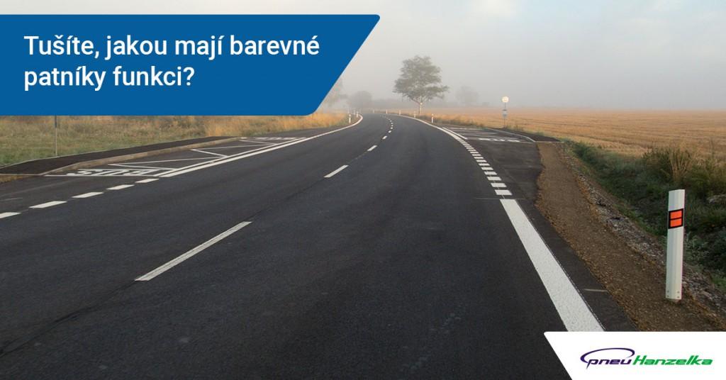 Barevné patníky na silnicích